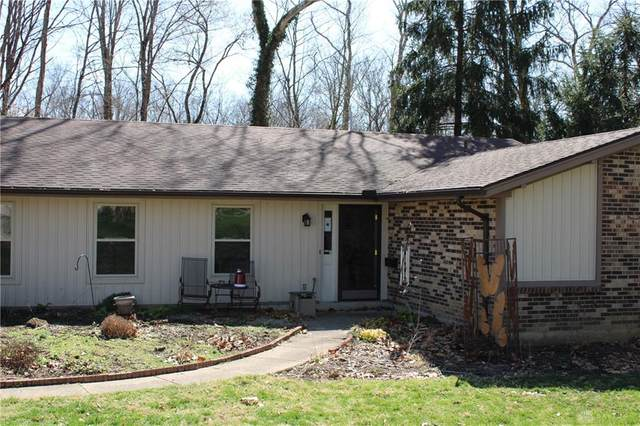 8951 Deep Forest Lane, Dayton, OH 45458 (MLS #836894) :: The Gene Group