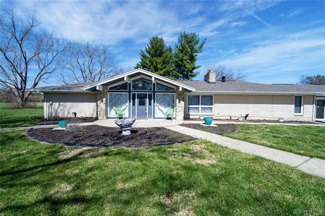 2995 Olt Road, Jefferson Twp, OH 45417 (MLS #836951) :: The Gene Group