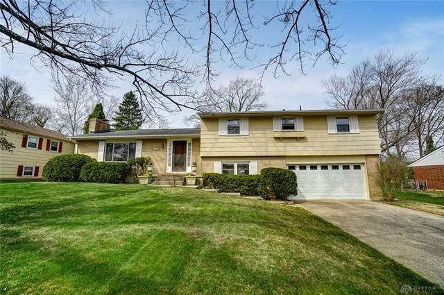 6707 Morrow Drive, Clayton, OH 45415 (MLS #837136) :: The Gene Group