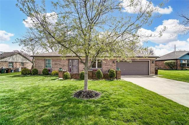 7070 Woodcroft Drive, Englewood, OH 45322 (MLS #837196) :: The Gene Group