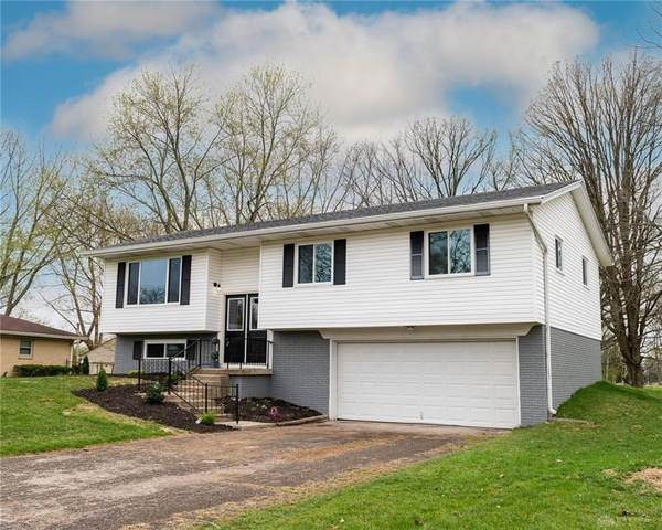 2420 Delavan Drive, Miami Township, OH 45459 (MLS #837468) :: The Westheimer Group