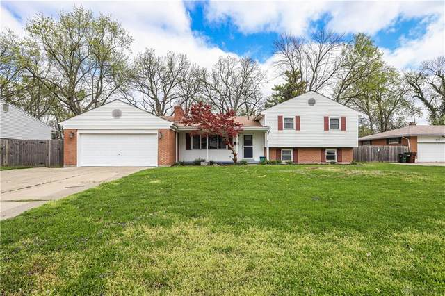 2701 Meadow Park Drive, Kettering, OH 45440 (MLS #837872) :: The Westheimer Group