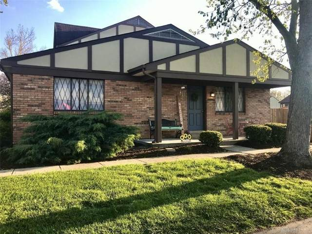 7592 Weatherly Court, West Chester, OH 45069 (MLS #838460) :: The Gene Group
