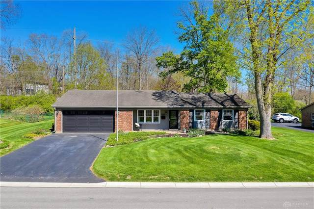 300 Clareridge Lane, Centerville, OH 45458 (MLS #838554) :: The Westheimer Group