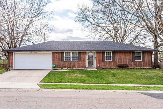 7232 Troy Manor Road, Huber Heights, OH 45424 (MLS #839094) :: The Gene Group