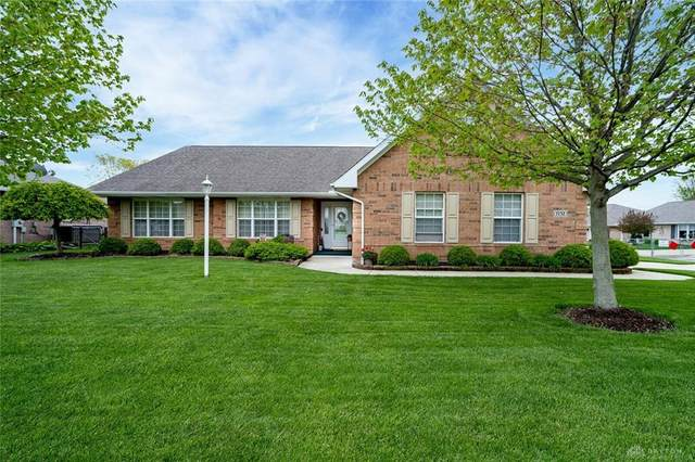 1732 Tearose Circle, Fairborn, OH 45324 (MLS #839446) :: The Westheimer Group