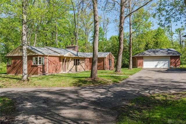 7230 Dog Leg Road, Butler Township, OH 45414 (MLS #839971) :: Bella Realty Group