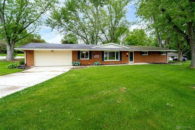 2054 Clearview Drive, Bellbrook, OH 45305 (MLS #840925) :: The Gene Group
