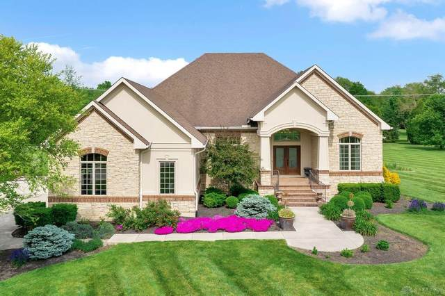 2960 Pine View Drive, Spring Valley Twp, OH 45370 (MLS #841072) :: Bella Realty Group