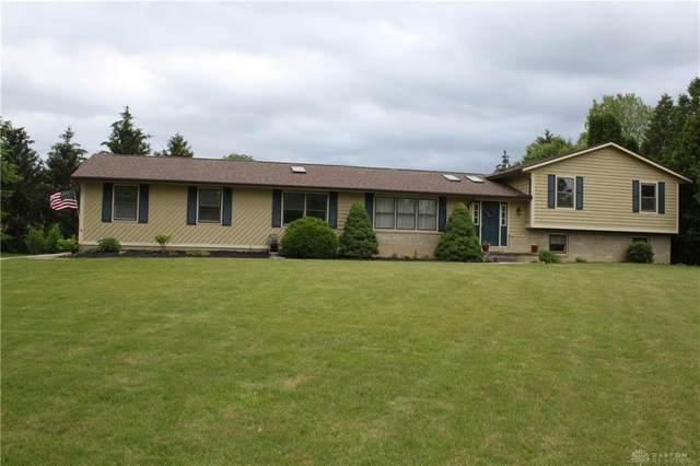 2029 Hanes Road, Beavercreek, OH 45432 (MLS #841338) :: Bella Realty Group