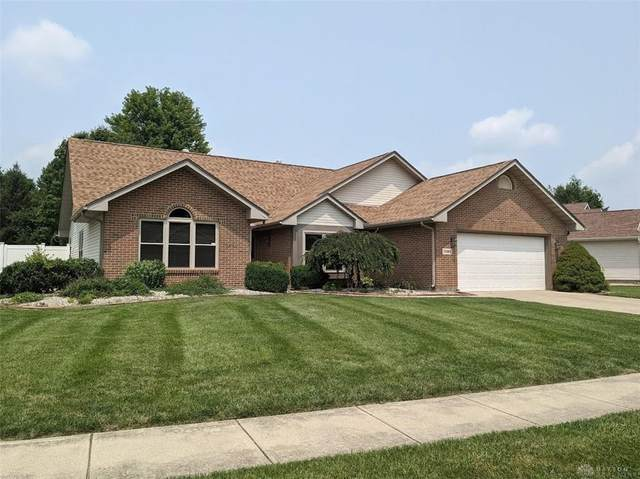 7922 Kings Ridge Circle, Mad River Township, OH 45324 (MLS #845513) :: The Gene Group