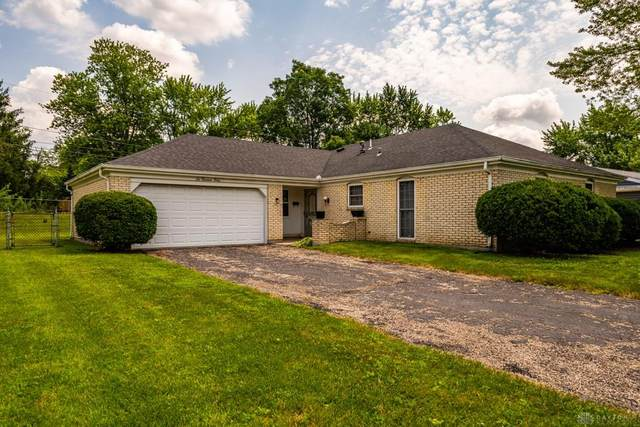 6040 Layne Hills Court, Englewood, OH 45322 (MLS #845898) :: The Gene Group