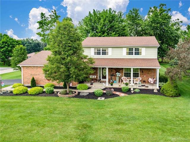 5250 Flora Drive, Lewisburg, OH 45338 (MLS #846025) :: The Westheimer Group