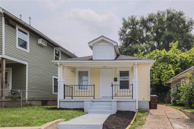 2014 Crescent Boulevard, Middletown, OH 45042 (MLS #846143) :: The Gene Group