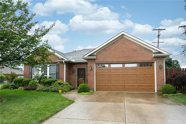 812 Bellaire Drive, Tipp City, OH 45371 (MLS #847125) :: The Gene Group