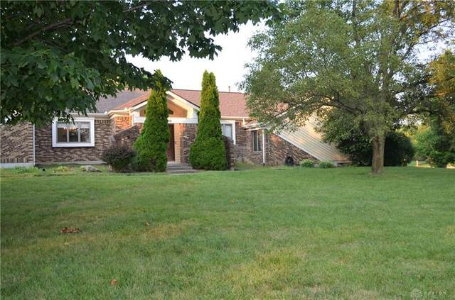 8900 Highlanders Court, Springboro, OH 45066 (MLS #847914) :: The Westheimer Group