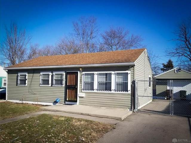 1484 Honeybee Drive, Trotwood, OH 45417 (#848994) :: Century 21 Thacker & Associates, Inc.