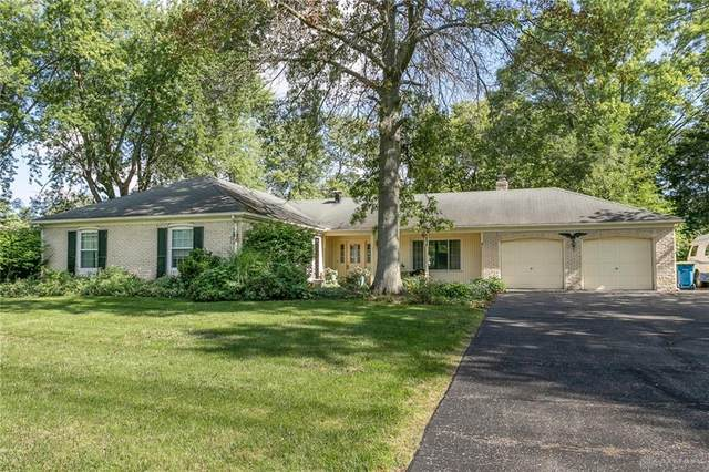 6834 Highfield Drive, Clayton, OH 45415 (MLS #849083) :: The Gene Group