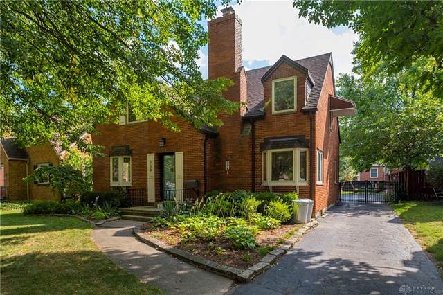 350 Beverly Place, Oakwood, OH 45419 (MLS #849138) :: The Westheimer Group