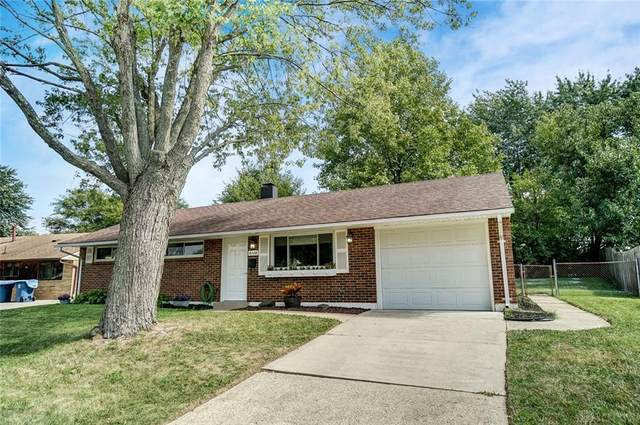 6124 Farmborough Drive, Dayton, OH 45424 (MLS #849476) :: The Westheimer Group