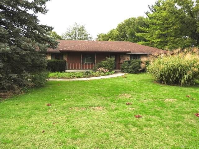 8979 Dog Leg Road, Butler Township, OH 45414 (MLS #849594) :: The Gene Group