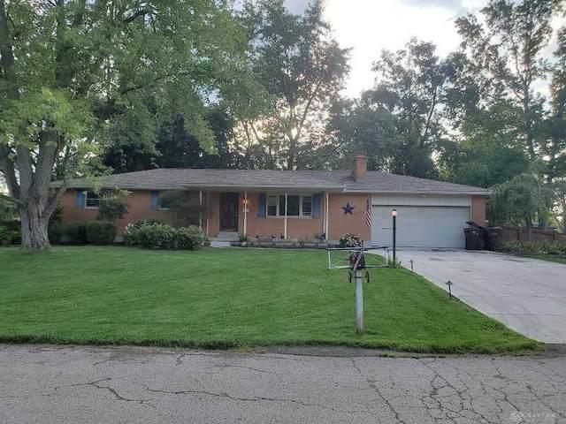 2403 Red Apple Drive, Beavercreek, OH 45431 (MLS #850283) :: The Westheimer Group