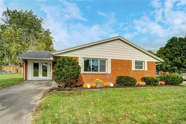 6718 Sterling Drive, Enon Vlg, OH 45323 (MLS #851404) :: The Gene Group