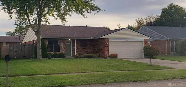 6334 Shull Road, Huber Heights, OH 45424 (MLS #851549) :: The Westheimer Group