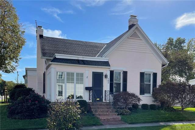 102 W Dow Street, Tipp City, OH 45371 (MLS #851878) :: The Westheimer Group