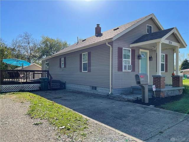 2711 Berger Avenue, Springfield, OH 45503 (MLS #852021) :: Bella Realty Group