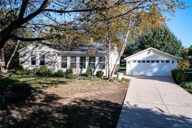 3896 Knollwood Drive, Beavercreek, OH 45432 (MLS #852141) :: Bella Realty Group