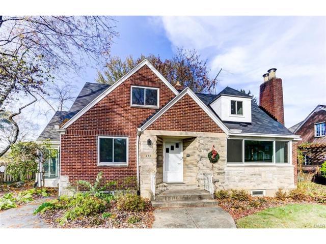 255 Ridgewood Avenue, Oakwood, OH 45409 (MLS #751761) :: Denise Swick and Company