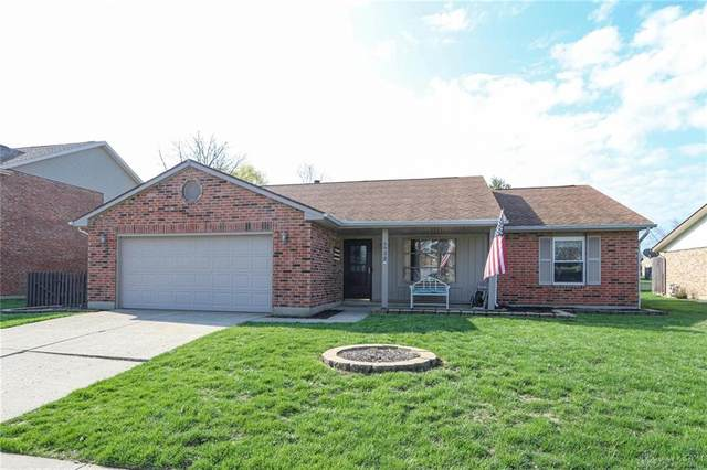 6939 Deer Bluff Drive, Huber Heights, OH 45424 (MLS #813733) :: The Gene Group