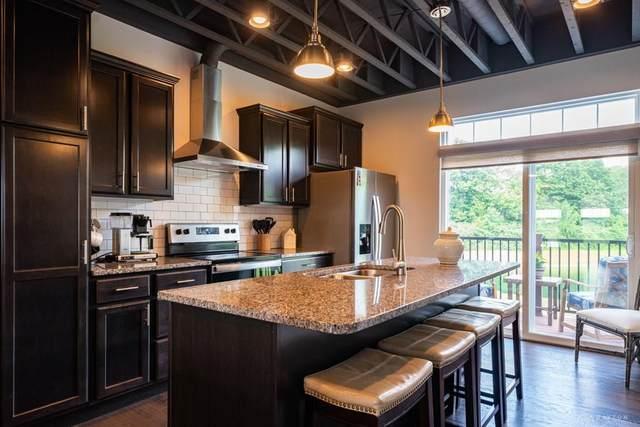 1205 Parklake Row, Springboro, OH 45066 (MLS #820221) :: Candace Tarjanyi | Coldwell Banker Heritage
