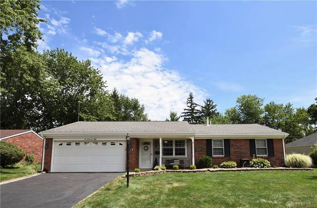 6050 Layne Hills Court, Englewood, OH 45322 (MLS #822704) :: Candace Tarjanyi | Coldwell Banker Heritage