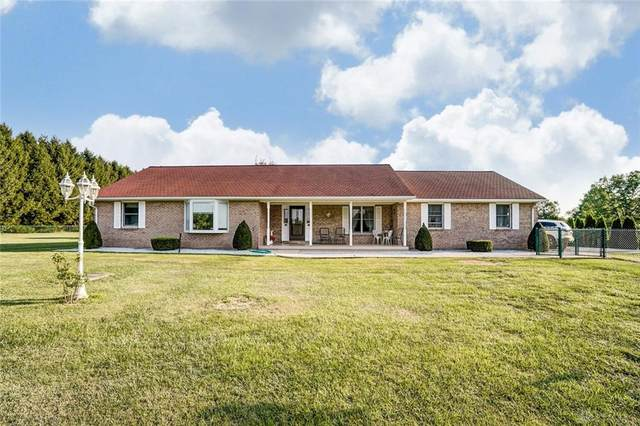 703 E Lower Springboro Road, Clearcreek Twp, OH 45066 (MLS #824862) :: The Westheimer Group