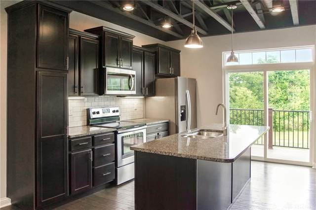 1102 Parklake Row, Springboro, OH 45066 (MLS #825078) :: Denise Swick and Company