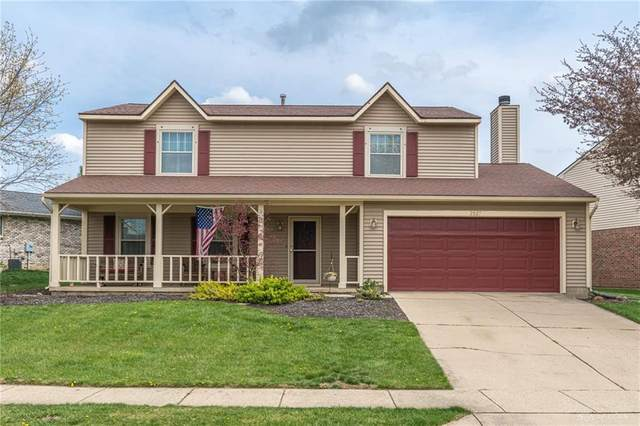 2527 Glasgow Drive, Troy, OH 45373 (MLS #837471) :: The Gene Group