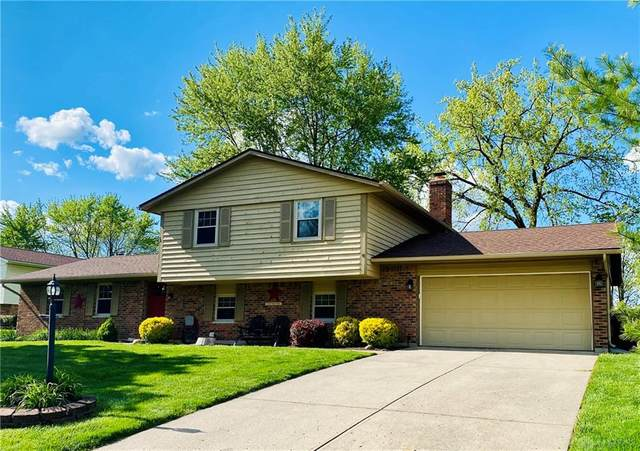 2725 Hutchins Court, Butler Township, OH 45414 (MLS #839791) :: The Westheimer Group
