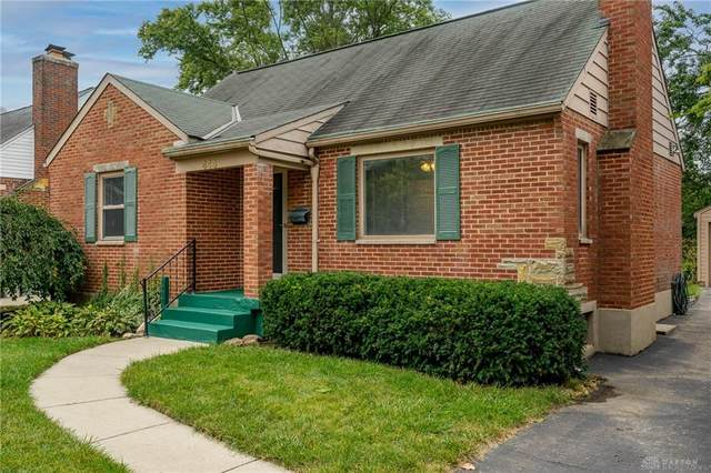 444 Triangle Avenue, Oakwood, OH 45419 (MLS #849671) :: The Westheimer Group
