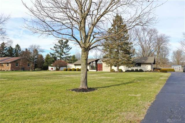 2626 Lower Bellbrook Road, Bellbrook, OH 45370 (MLS #810584) :: Candace Tarjanyi | Coldwell Banker Heritage