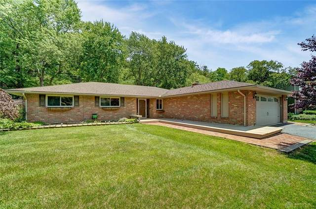 6330 Millbank Drive, Centerville, OH 45459 (MLS #841308) :: The Gene Group