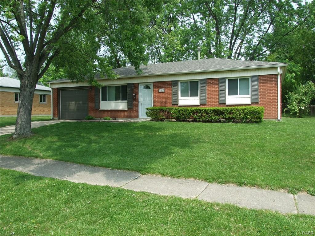 7311 Cosner Drive, Dayton, OH 45424 (MLS #736515) :: Denise Swick and Company