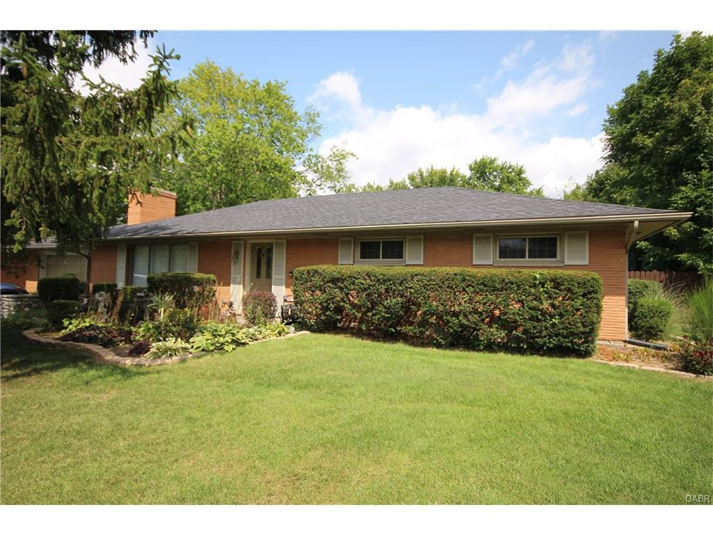 4176 Nedra Drive, Bellbrook, OH 45305 (MLS #746358) :: Denise Swick and Company