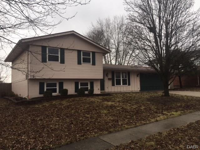 5074 Seville Drive, Englewood, OH 45322 (MLS #756544) :: Denise Swick and Company