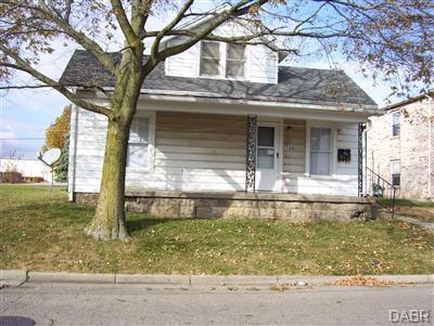 724 Trumbull Street, Xenia, OH 45385 (MLS #757183) :: Jon Pemberton & Associates with Keller Williams Advantage
