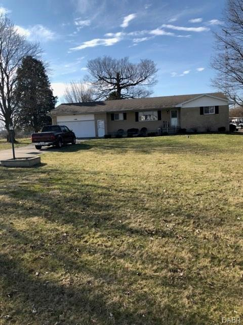 1480 Jackson Road, Vandalia, OH 45377 (MLS #758994) :: The Gene Group