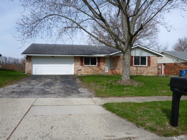 7411 Rustic Woods Drive, Dayton, OH 45424 (MLS #760279) :: Jon Pemberton & Associates with Keller Williams Advantage