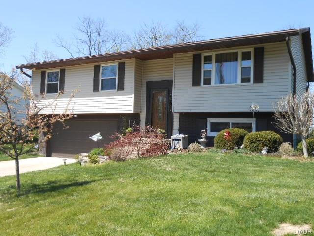 295 Golfwood Drive, West Carrollton, OH 45449 (MLS #761991) :: Jon Pemberton & Associates with Keller Williams Advantage