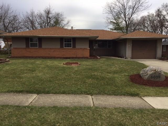 6009 Cruxten Drive, Huber Heights, OH 45424 (MLS #764804) :: Denise Swick and Company
